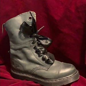 Dr Martens Olive green ankle boots size 7
